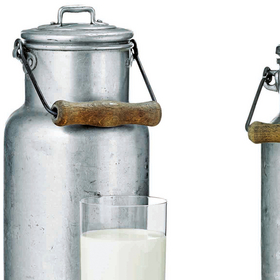 M50 Milk churns